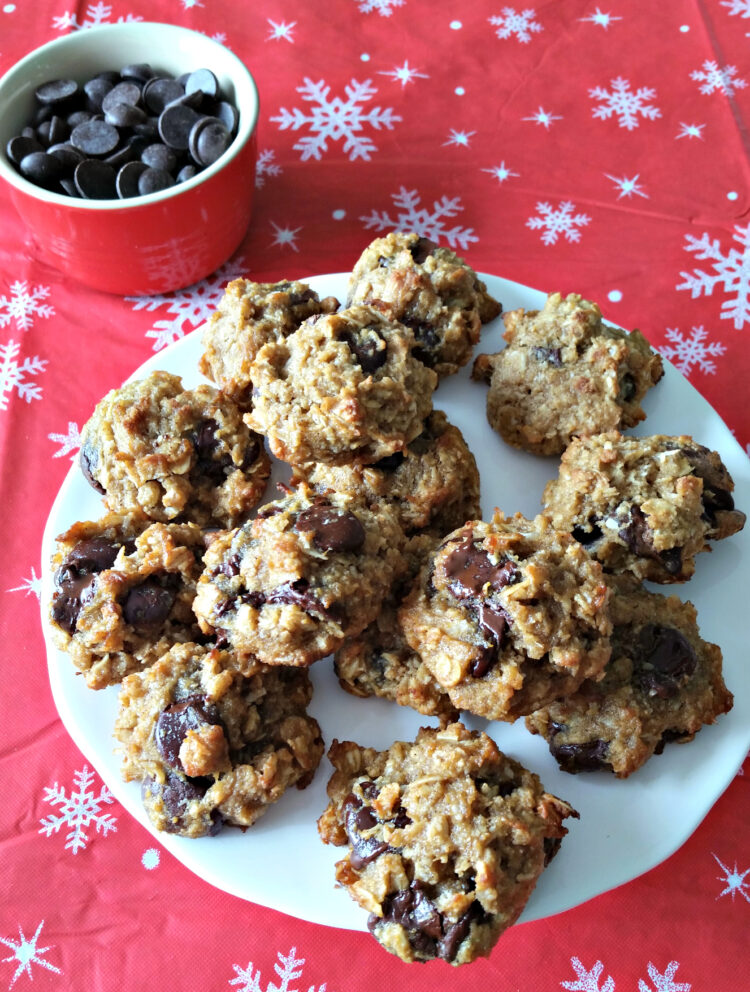 Soft, chewy, cookies with melt in your mouth dark chocolate morsels…do I have your attention yet? These Gluten Free Coconut Dark Chocolate Chip Cookies are just what your body desires. It doesn't matter if you're not Gluten intolerant or have a Gluten Allergy/Sensitivity, you can still enjoy theses delicious cookies.