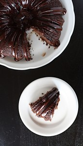 Chocolate_Bundt_Cake_with_Chocolate_Ganache_4
