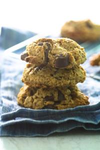 Flourless_Peanut_Butter_Chocolate_Chunk_Cookies-4