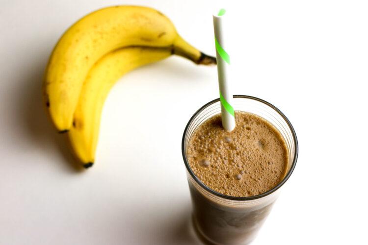 vegan smoothie with espresso and protein powder
