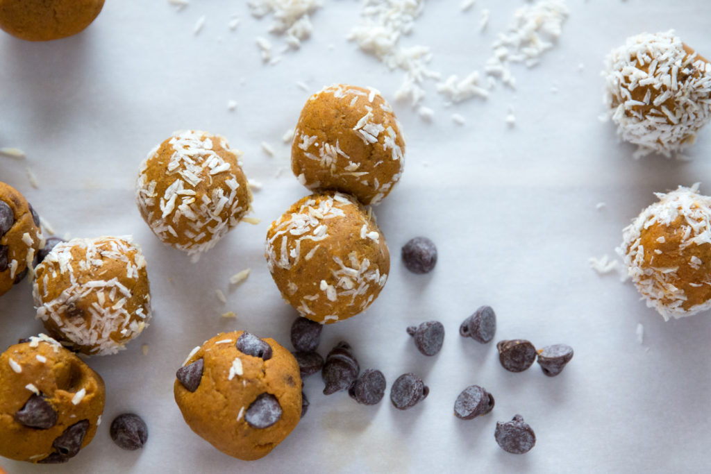 I'm clinging onto Fall with these tasty Fall inspired Easy Pumpkin Pie Energy Balls. They're slightly sweetand packed full of spice. They're perfect for snacking or use them as a topping on your oatmeal or smoothie bowl.